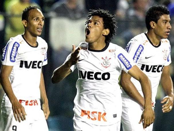 Romarinho brilha no primeiro jogo e salva o Timão de uma derrota (Foto: AP / Reprodução: Globoesporte.com)