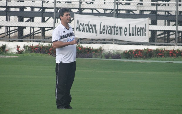 Heron Ferreira, técnico do ASA (Foto: Leonardo Freire/GLOBOESPORTE.COM)
