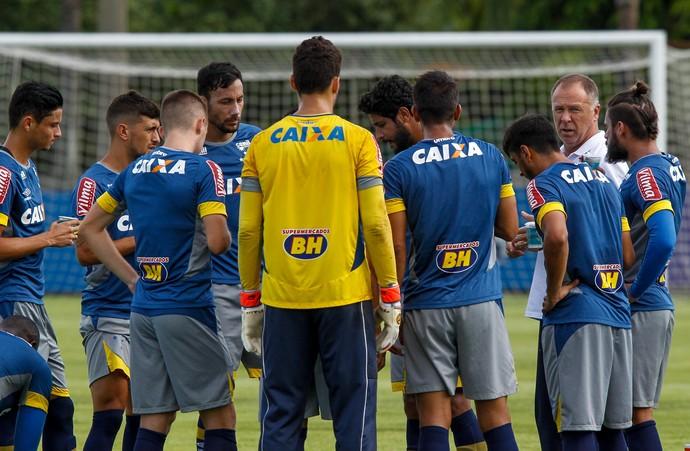 Cruzeiro divulga numeração fixa dos jogadores para a temporada 2017 48f301d9bb3ce