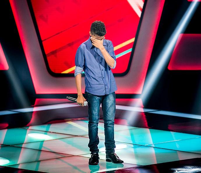 Cairo não segurou a emoção no palco (Foto: Isabella Pinheiro/Gshow)