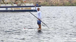 Stand up paddle em Canindé de São Francisco (Foto: TV Sergipe)