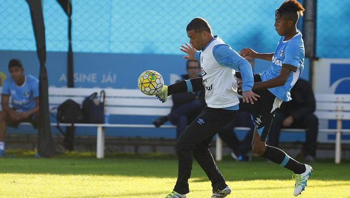 Edinho Grêmio Jean Pyerre (Foto: Lucas Uebel/Grêmio)