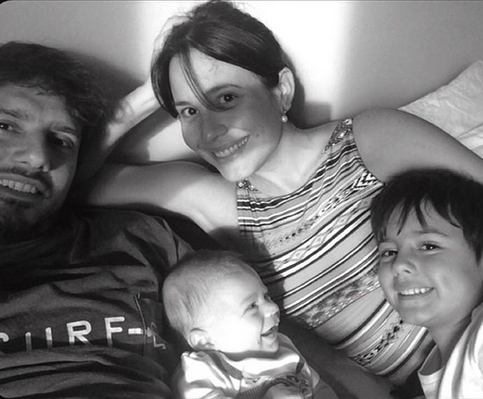Família de Juliana Knust reunida (Foto: Arquivo Pessoal)