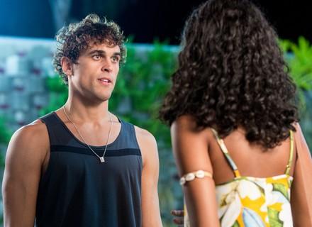 Gabriel faz convite inusitado a Joana