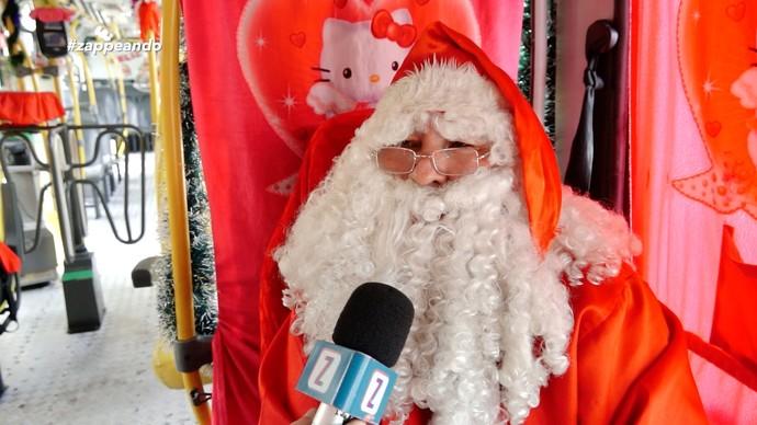 Ismael Martins se fantasia de Papai Noel há seis anos (Foto: Rede Amazônica)