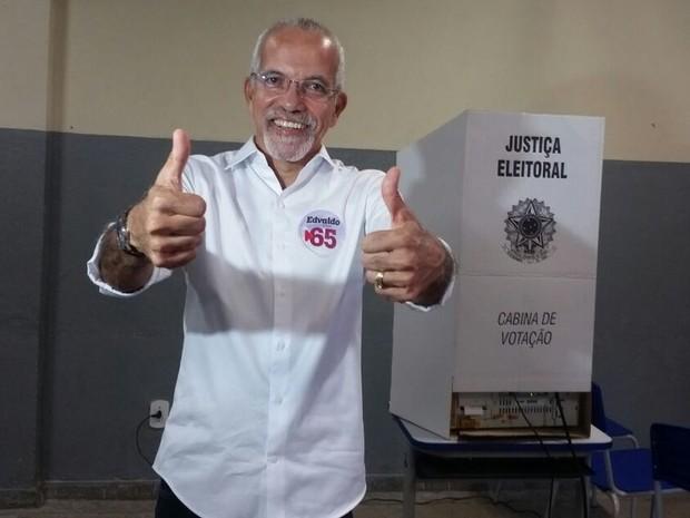 Resultado de imagem para EDVALDO NOGUEIRA (PCdoB) É ELEITO PREFEITO DE ARACAJÚ