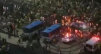 Imagens mostram correria na orla de Copacabana após derrota do Brasil (Reprodução)