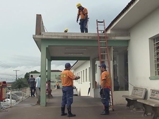 Defesa Civil e secretarias participaram da ação na cidade  (Foto: Reprodução / TV TEM)