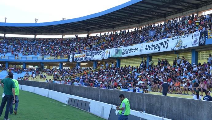 Torcida do São Raimundo no Estádio Colosso do Tapajós (Foto  Dominique  Cavaleiro  GloboEsporte e072a7339262b