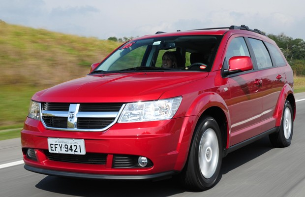 recall dodge journey convocado por falha no abs e no. Black Bedroom Furniture Sets. Home Design Ideas