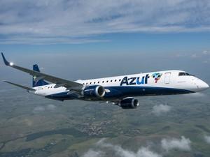 Avião da Embraer E-195 usado pela Azul (Foto: Divulgação/Embraer)