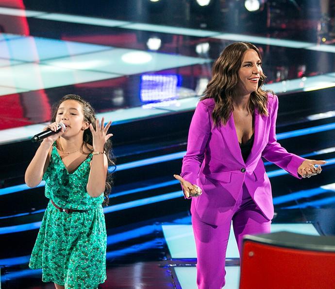 Ivete Sangalo divide palco com Kailane Frauches no palco do The Voice Kids (Foto: Isabella Pinheiro/Gshow)