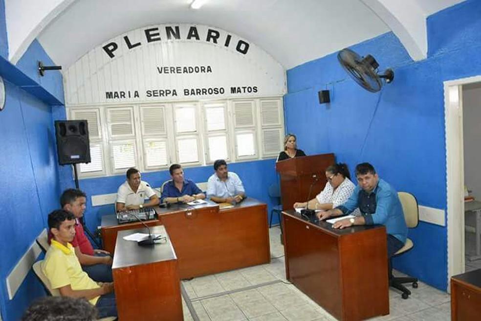 Vereadores de Tururu barraram aumento do salário dos professores e aumentaram o próprio (Foto: Auricélio Feitosa/Arquivo pessoal)