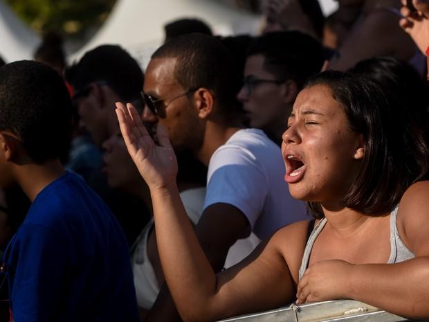 Fiéis se emocionam na Marcha para Jesus em São Paulo (Foto: Flavio Moraes/G1)