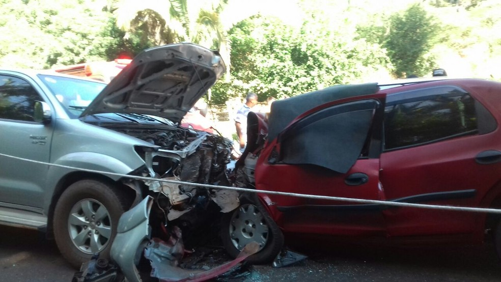 Colisão frontal deixa duas mulheres mortas e três crianças feridas na PI-113 (Foto: Divulgação/Polícia Militar)
