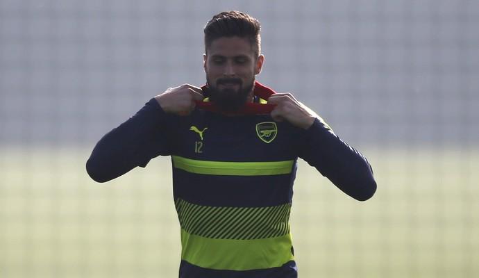 Giroud em treino do Arsenal para enfrentar Ludogorets (Foto: Paul Childs/Reuters)