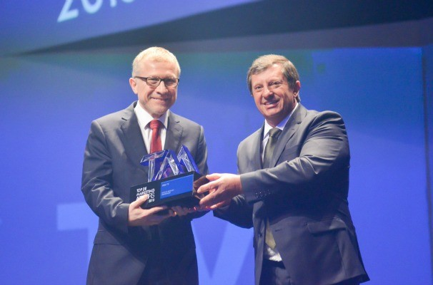 Cezar Freitas recebeu o troféu do Prêmio Top de Marketing ADVB (Foto: Fabiano Panizzi/Divulgação)