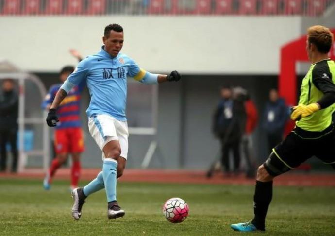 Luis Fabiano, Qingdao Huanghai x Tianjin Quanjian (Foto: sina.com)