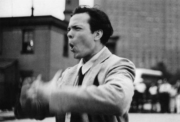 Orson Welles durante as filmagens em 1938 (Foto: National Film Preservation Foundation/Cineteca del Friuli/George Eastman House/AP)
