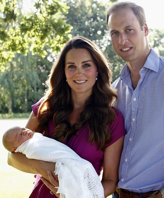 Kate com o príncipe George e o marido, William (Foto: Getty Images)