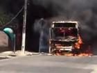 Polícia apreende adolescentes suspeitos de atear fogo a ônibus