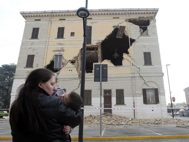 Prédio da prefeitura de San Agostino, na província de Ferrara, fica destruído após tremores no norte da Itália na madrugada deste domingo (20) (Foto: REUTERS/Giorgio Benvenuti)