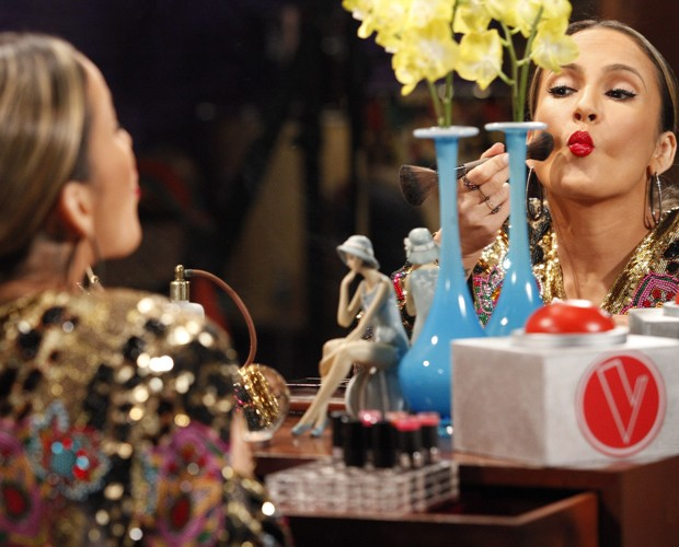 Claudia Leitte gravação vinheta (Foto: Raphael Dias/TV Globo)