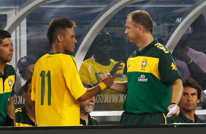 Mano Menezes Neymar brasil e EUA - Amistoso em 10 de agosto de 2010 (Foto: Divulgação)