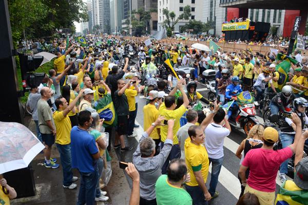 Masp, protesto, manifestação, contra Dilma (Foto: J. Duran Machfee/Estadão Conteúdo)