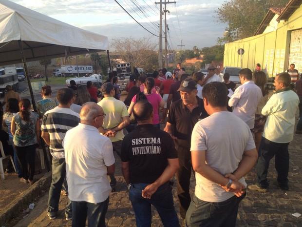 Agentes penitenciários estão em greve desde quinta-feira (10)  (Foto: Foto: Ellyo Teixeira/G1 )
