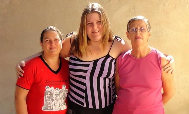 Mariana tem duas mães: a biológica e a avó, que a criou (Foto: Divulgação / Arquivo Pessoal)