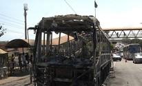 Fogo destrói ônibus na Av. Paralela; fotos (Imagens/TV Bahia)