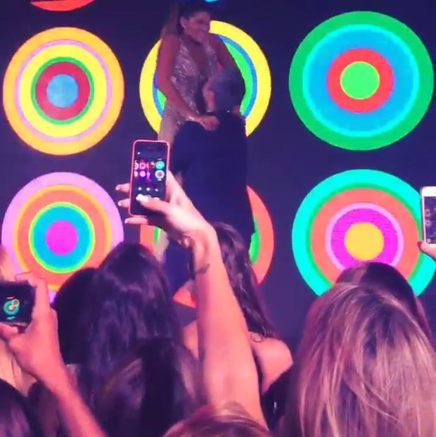 Otaviano Costa dança com Giulia (Foto: Reprodução / Instagram)