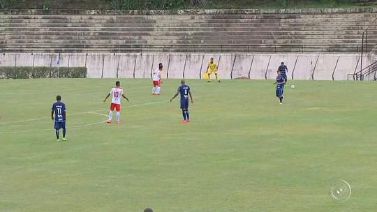 Em jogo com queda de energia, iluminado João Paulo marca duas vezes e São Bento vence Tombense