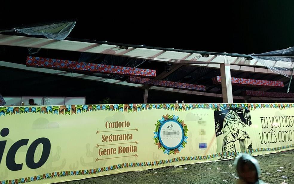 Parte de estrutura de camarote privado desabou, em Porto Seguro (Foto:  Namídia News)