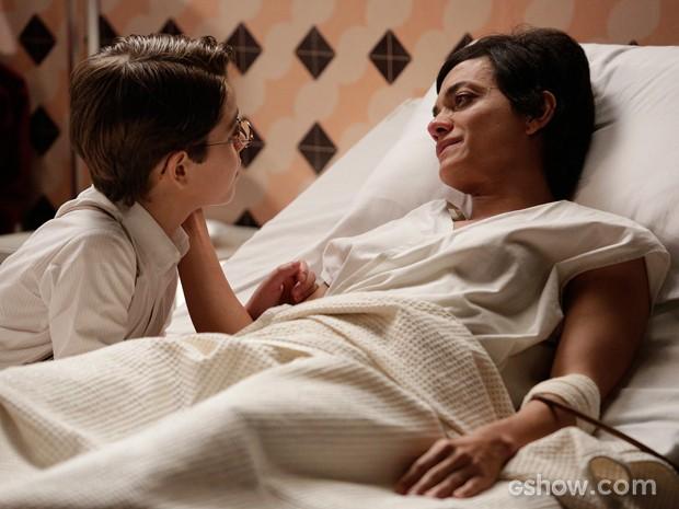 Gaia se despede de Giuseppe antes de falecer (Foto: Fábio Rocha/TV Globo)