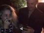 André Gonçalves dá aliança a Danielle Winits e deixa atriz emocionada