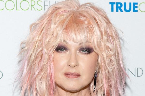 Cyndi Lauper: Em 1981, a cantora enfrentou graves problemas financeiros. Com o fracasso de seu primeiro álbum com a banda Blue Angel, o empresário do grupo foi à Justiça e arrancou tudo que ela tinha. Cindy só deu a volta por cima dois anos depois, com se (Foto: Getty Images)