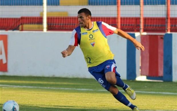 Zagueiro Adalberto acerta retorno ao Fortaleza (Foto: Site oficial do Fortaleza)