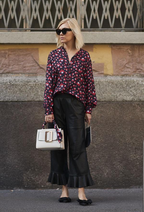 A calça cropped é boa conpanhia (Foto: Imaxtree)