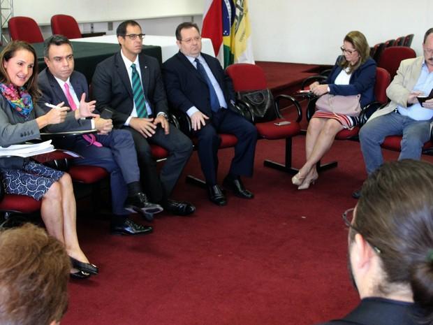 Secretária do Governo Federal Flávia Piovesan conversou com membros do judiciário de Manaus (Foto: Ísis Capistrano/ G1 AM)