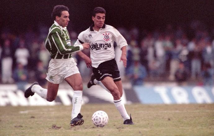 Paulistão 1993 Edmundo Marcelinho Paulista Palmeiras Corinthians (Foto: Vidal Cavalcante / Agência Estado)