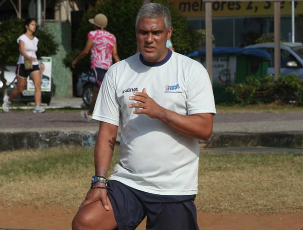 Jorge Ferreira, o 'Índio', técnico da seleção do Espírito Santo de futebol de areia (Foto: Divulgação/Pauta Livre)