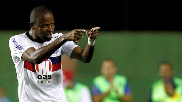Fabinho gol Bahia x Portuguesa (Foto: Eduardo Martins / Ag. Estado)