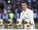 CR7 expõe quatro Bolas de Ouro ao lado de Ronaldo, Figo, Owen e Kopa
