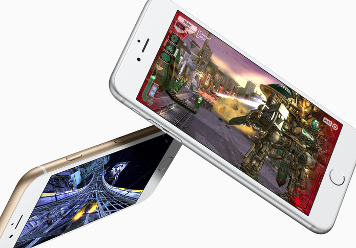 iPhone com acabamento prateado e dourado (Foto: Divulgação/Apple)