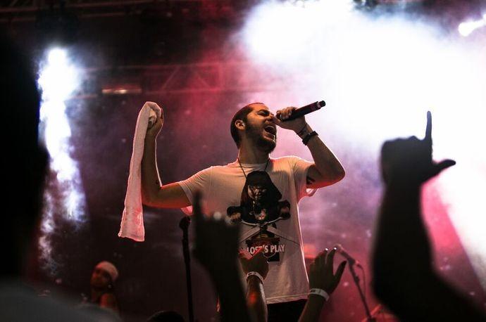 Vocalista do Jammil, Levi Lima, comemora sucesso de música I Love (Foto: Filipe Rodrigues / Divulgação)