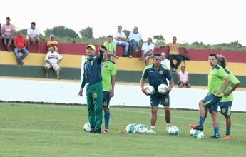 Estevam inicia os treinos com bola e pode voltar ao time titular do Sampaio