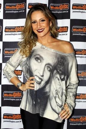 Claudia Leitte em bastidores de show em Capitólio, Minas Gerais (Foto: Paduardo/ Ag. News)
