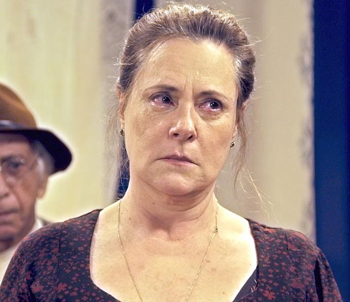 Cunegundes não aceita que Filomena volte a morar na fazenda (Foto: TV Globo)